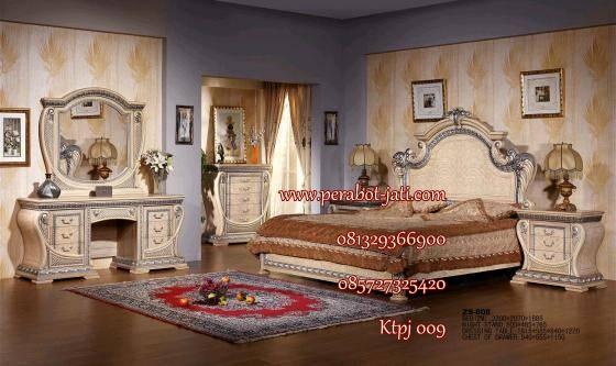 set kamar tidur mewah clasik terbaru