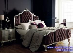 Tempat Tidur Mewah Kayu Mahoni