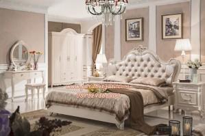 Set Ranjang Tidur Mewah Lusiana