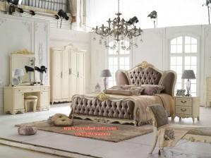 Tempat Tidur Mewah Lengkap Untuk Set Kamar Tidur 083