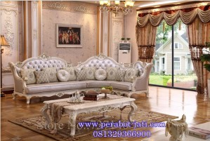 Kursi Sofa Ruang Tamu Ukir Mewah Sudut Model Eropa
