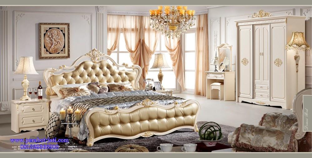 Tempat Tidur Mewah Ukir Emas
