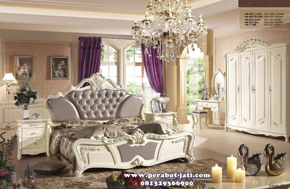 Tempat Tidur Klasik Untuk Set Kamar Mewah Bella