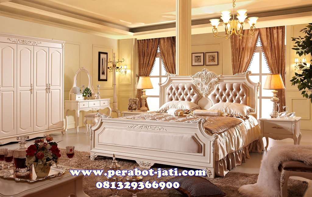 Kamar Tidur Putih Jok Mewah Ukir Klasik Ramona