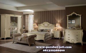 Set Kamar Utama Klasik Untuk Ranjang Tidur Mewah Saras