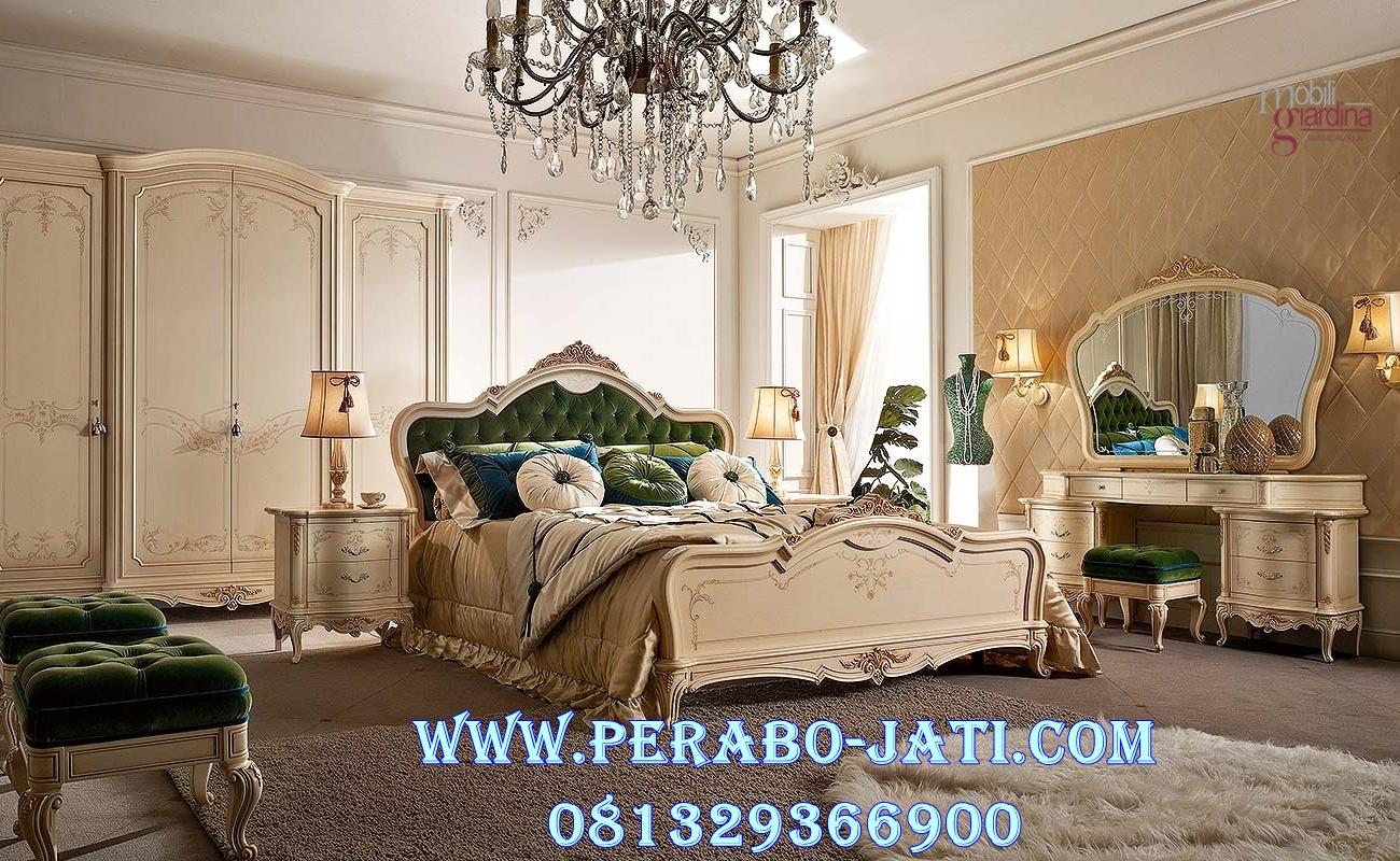Set Kamar Tidur Mewah Klasik Putih Elegan