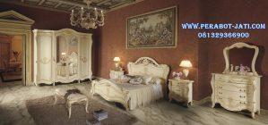 Set Tempat Tidur Luxury Klasik Maudy