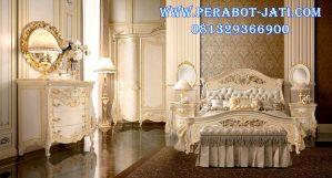 Set Tempat Tidur Mewah Ukir Gold Classic