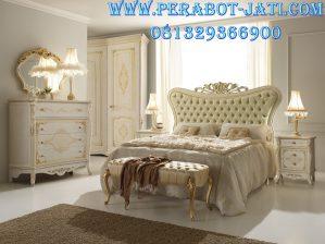 Furniture Tempat Tidur Mewah Barokko